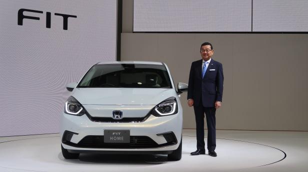 CAPTION: CEO Honda Takahiro Hachigo saat mengenalkan Honda Jazz 2020.