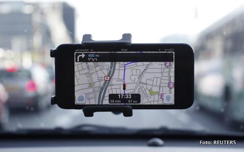Waze, aplikasi navigasi dan pemetaan yang jadi rebutan Google dan Facebook.