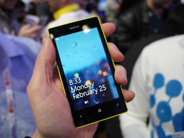 Nokia 520 adalah smartphone dengan Windows Phone 8 yang memiliki harga paling terjangkau di Indonesia. Diharapkan rentang harga ini dapat meluaskan pangsa pasar ponsel berbasis Windows Phone 8.