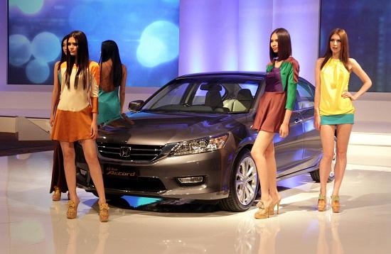 All New Honda Accord generasi kesembilan resmi diluncurkan PT Honda Prospect Motor (HPM) pada Kamis (25/4) silam. Selain mengalami perubahan desain secara keseluruhan, midsize sedan itu juga mengusung teknologi mesin baru Earth Dreams.