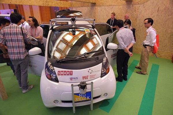 FOTO ASingapore's SMART Car showcase