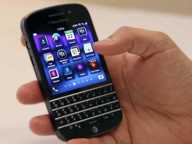 BlackBerry Q10 hanya mengandalkan kibor dan OS BB10.