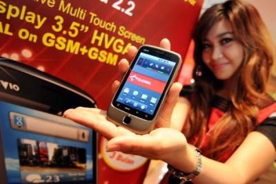 Smartphone IVIO DE-38 terbaru dengan Android Froyo