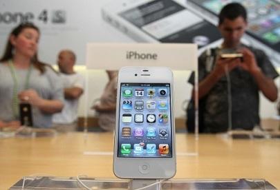 iPhone 5 meski ditawarkan dengan harga yang sangat mahal, namun tetap diminati oleh kalangan menengah keatas.
