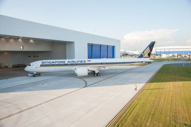 Singapore Airlines 787-10 at Boeing South Carolina_preview