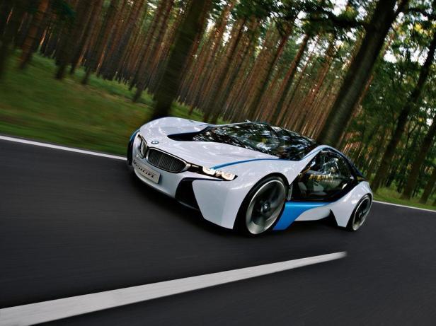 BMW EfficientDynamics, salah satu upaya BMW untuk membuat mesin ramah lingkungan.