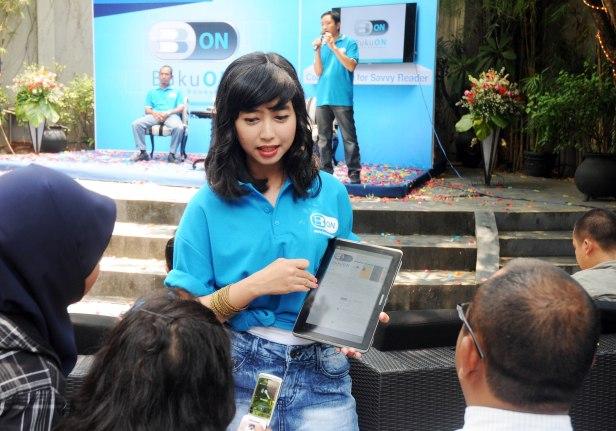 Pasar aplikasi newsstand semakin marak dengan kehadiran BukuOn dari Indosat IM2.
