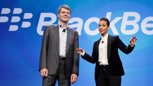 CEO BlackBerry Thorsten Heins dan Alicia Keys dalam peluncuran BlackBerry 10 di New York, AS.