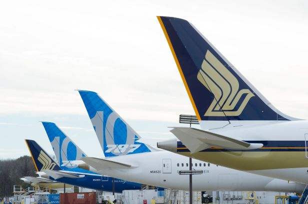SIA 787-10_Tailfin line-up_CHS_preview
