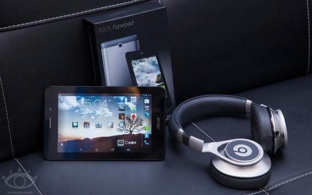 Asus Fonepad, tablet dengan prosesor Intel dan kemampuan menelpon.