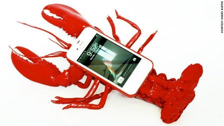 Jika merasa memiliki pribadi unik, tidak ada salahnya untuk mencoba casing iPhone berbentuk lobster ini.